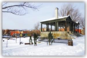 Évidemment je crois que le maire s'imagine que personne ne fréquente, l'hiver venu, le parc Morgan